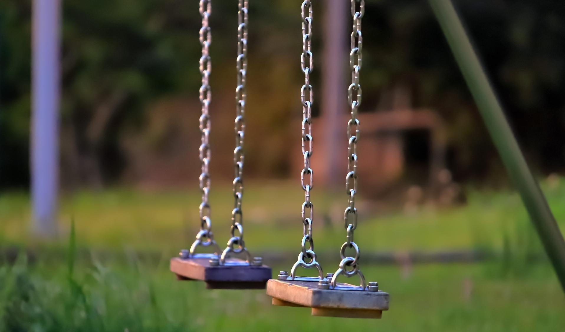 学校のコロナ対策で、遊具が使えないのはなぜ?【法的観点から解説】