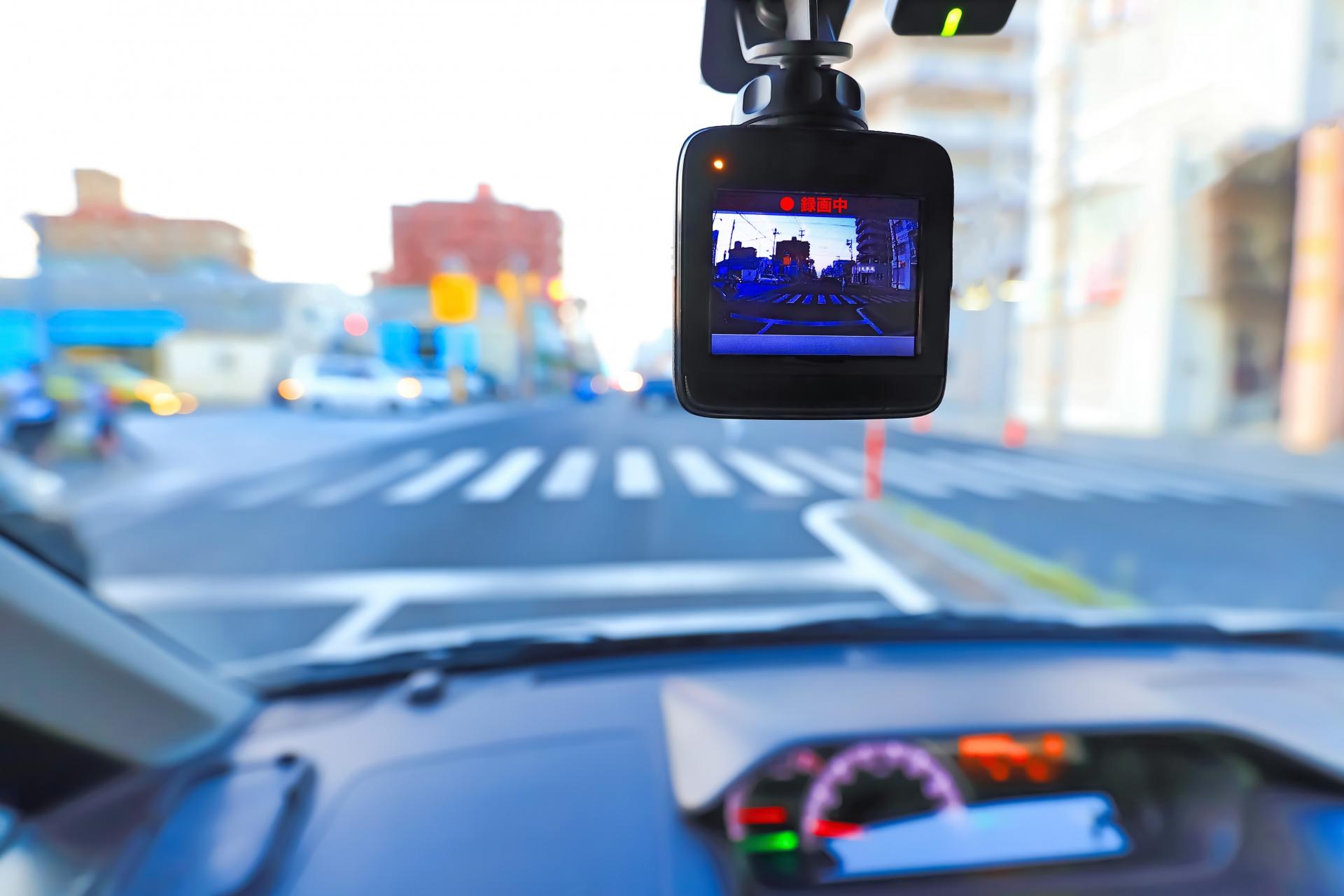 あおり運転を取り締まる道路交通法とは【弁護士が解説】